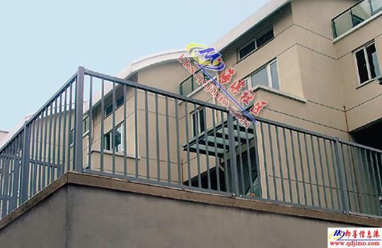 峰金属专业生产锌钢护栏,锌钢楼梯,锌钢百叶窗,不锈钢护栏,